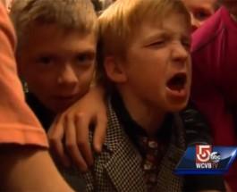 (27.11.2013) Pikkupoikaa kiusattiin vaatteiden takia – ystävät järjestivät liikuttavan yllätyksen
