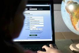 (5.9.2013) Poliisi tutkii: Yli 600 tykkääjää liittyi 16-vuotiasta pilkkaavaan Facebook-ryhmään