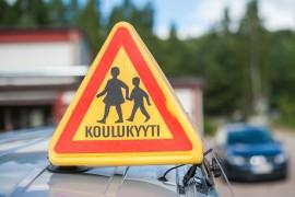 (13.8.2015) Esikoululaisen koulukyyti jäi kiinni 150 metristä – kaupunki ei jousta