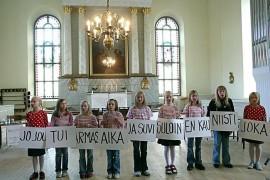 (29.5.2013) Kuuluuko Suvivirsi koulujen kevätjuhlaan?